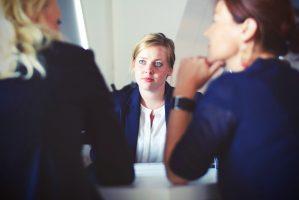 tre tabubelagte men overraskende råd til at holde fast i DIG selv i en relation